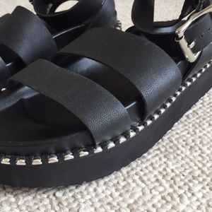 abf3c31b654 ASOS Shoes - ASOS DESIGN feebs leather chunky flat sandals 8